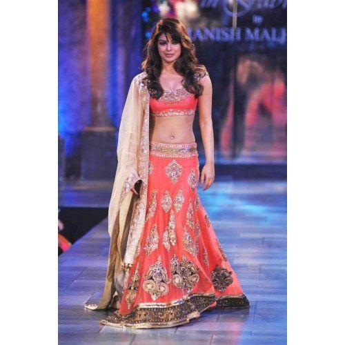 Bollywood Stunning Replica Priyanka Looking Sizzling Lengha Saree sari
