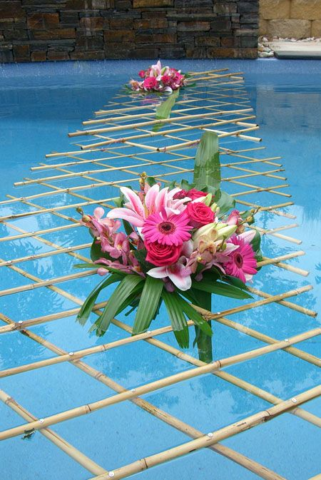 pool decorations found on the modern jewish wedding pooldecor - Pool Decorations