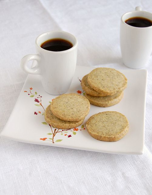 Lady Grey tea cookies / Biscoitinhos de chá Lady Grey by Patricia Scarpin, via Flickr