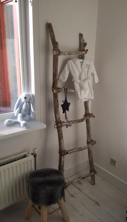 Badkameraccessoires Geel ~   Ladders op Pinterest  Ladders, Deken Ladder en Ladder Rekken