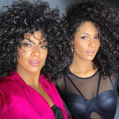 Miss Brazil 2016 and 2017 show off their fierce curls. Photo: @santana_raissa
