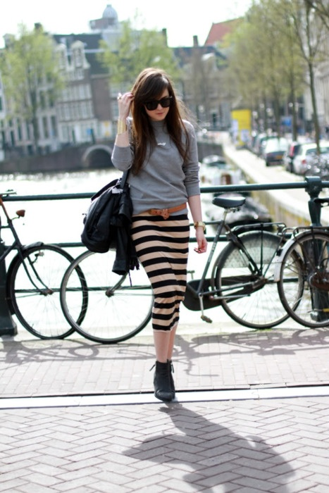love the striped skirt and boots