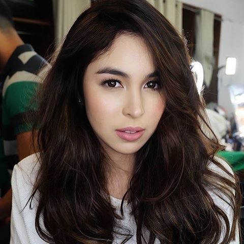 THE BOMB LOOK😍🔥 I LOVE THIS!!! @juliabarretto From the christmas special❤️ #juliabarretto