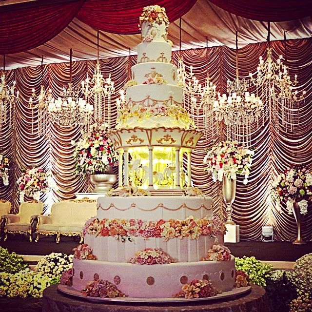 17 Best Images About Grand Wedding Cake On Pinterest