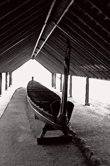 Waitangi Treaty Grounds War Canoe by EJC01, via Flickr
