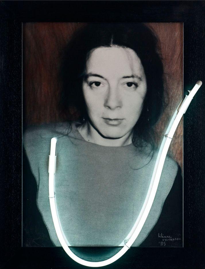 Liliane Vertessen - U or V (1985) @ Galerie Zwart Huis | Zeedijk 635, KnokkeTentoonstellingen