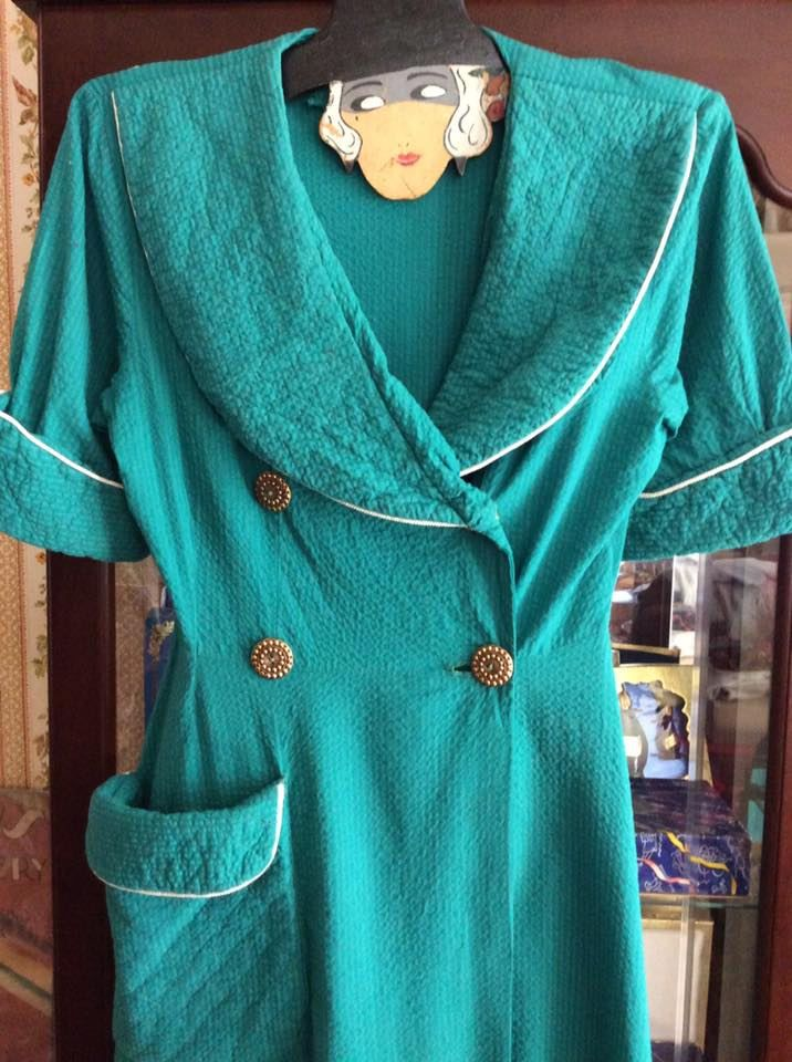 Vintage 1940s Robe Bathrobe Dressing Gown Quilted Pattern Plisse Fabric Unlined Light Teal Color Lightweight Old Hollywood Style by TimelessTreasuresVCB on Etsy