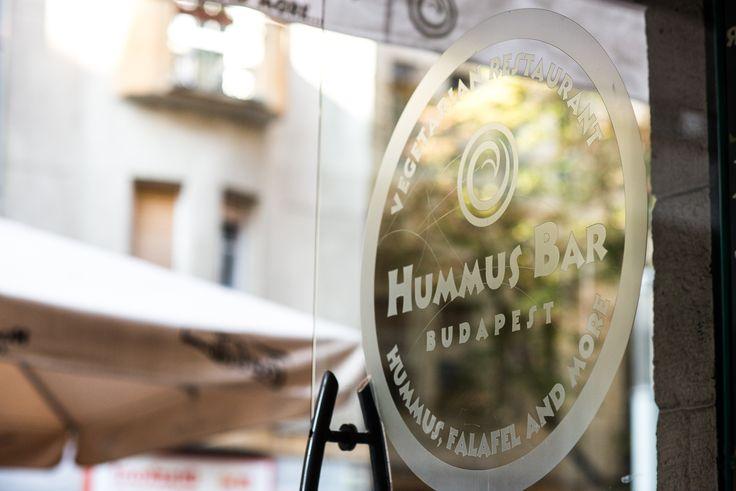 Hummus Barok: hummusz és teljes kiőrlésű pita