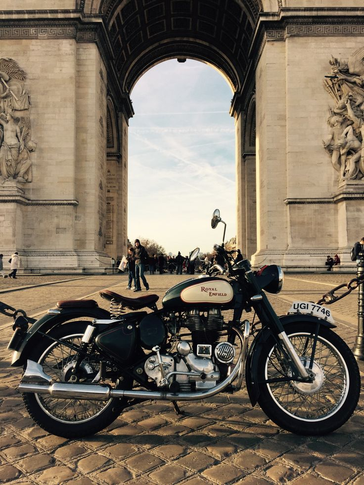 Royal Enfield 500cc in paris