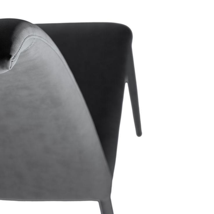 € 99,00 MARILÙ #sconto 40% #sedia #moderna di #design, schienale alto e sinuoso, completamente rivestita in tessuto o ecopelle. Adatta ad #arredare la #sala da pranzo. In #offerta prezzo su #chairsoutlet factory #store #arredamento. Comprala adesso su www.chairsoutlet.com