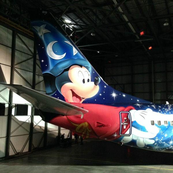 WestJet Unveils #Disney Themed Magic Plane!