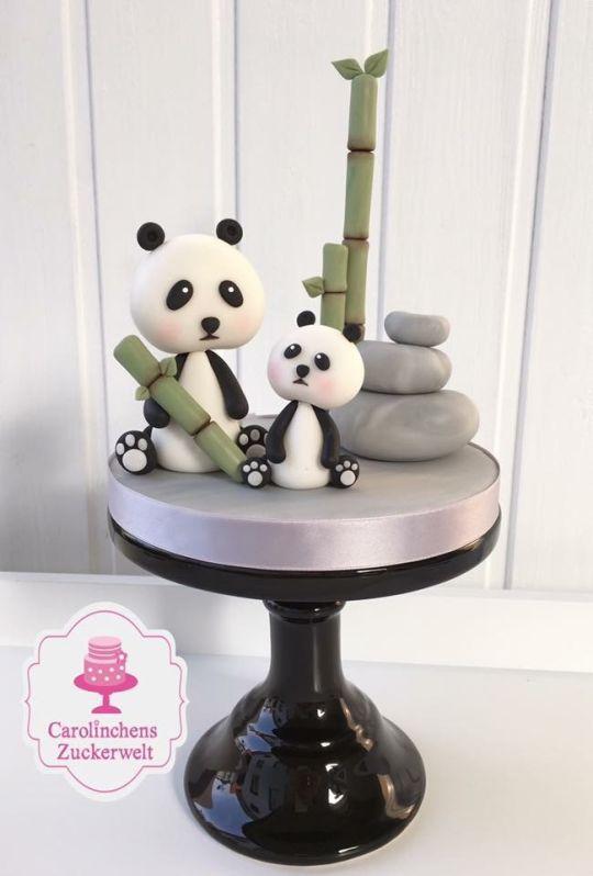 Pastel oso panda