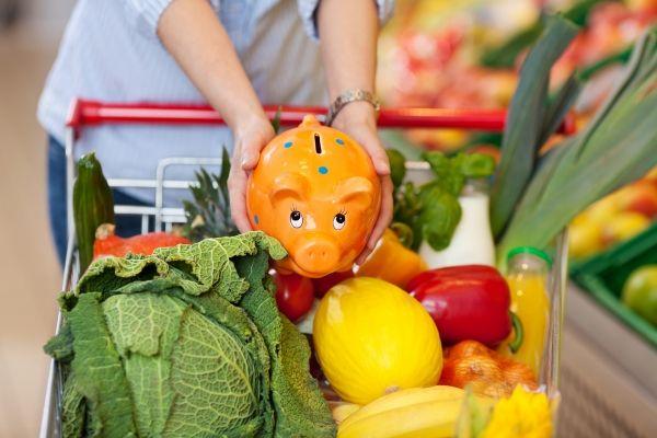 Top 10 Ways To Save Money on your Groceries #savemoney #saveongroceries #save www.behealthy4life.com.au
