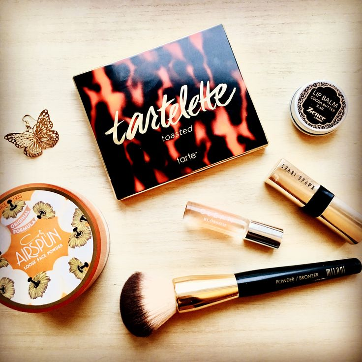 One of my favourite makeup products - Tarte Toasted palette. Great warm toned palette! #makeup #eyeshadow #tarte #beauty #beautyblog