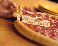 Fenséges csupa sajtos pizzatészta! A széleit szeretem a legjobban, mert képtelenség ellenállni ennek az íznek! Hozzávalók: 40 dkg liszt 1,5 dl élesztő 1 teáskanál cukor[...]