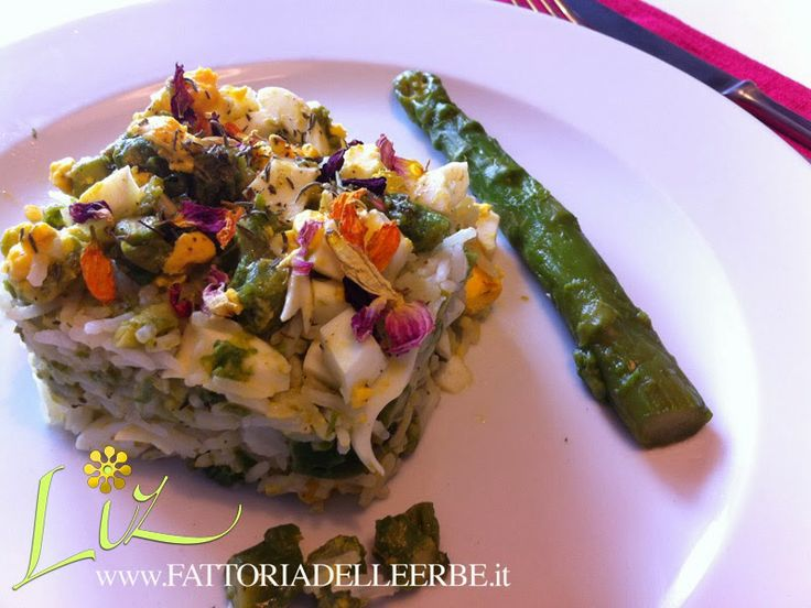 Basmati con #asparagi #uova e fiori di #Dalia - Rice with #asparagus #eggs and #dahlia flowers