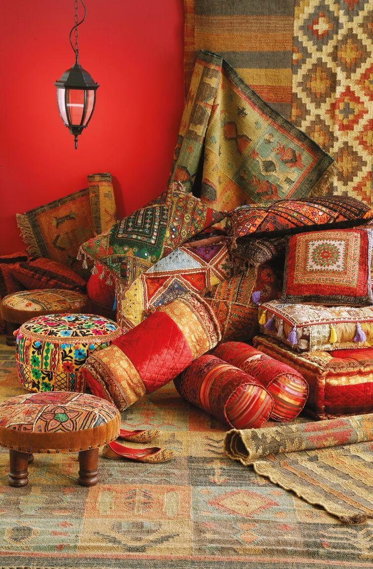 Para los #cojines, no sólo mezclamos colores, también texturas. Transforma tus espacios en ambientes Thai. ¡Atrévete!  #Bedroom #Pillows #Colors #Deco #Home #Easy #cojines #easytienda #tiendaeasy