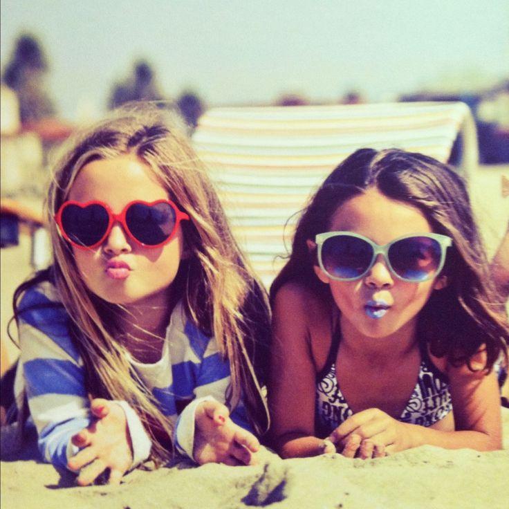 adorable: At The Beaches, Little Girls, Kiss, Best Friends, Bestfriends, Kids Fashion, Bff, Future Kids, Heart Sunglasses