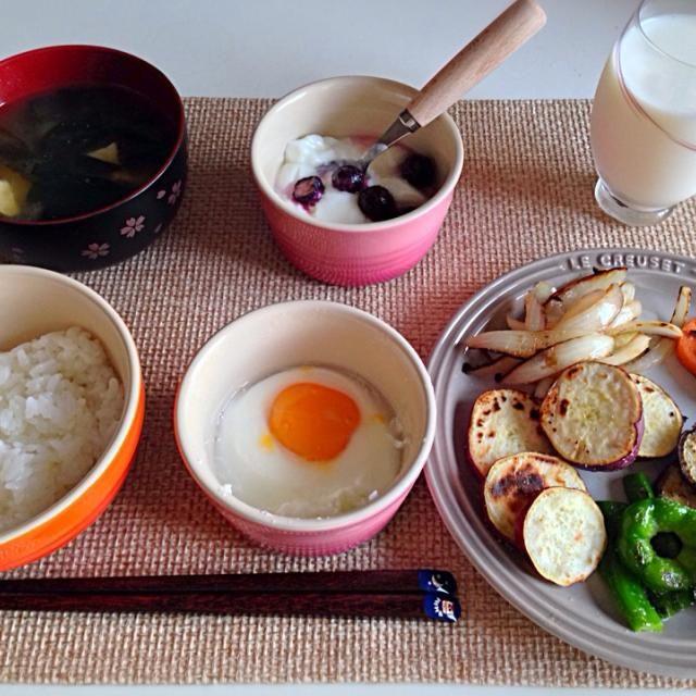 バイオメトリクス - 14件のもぐもぐ - 温泉卵 野菜のグリル 厚揚げの味噌汁 ヨーグルト 牛乳 by にゃろめ