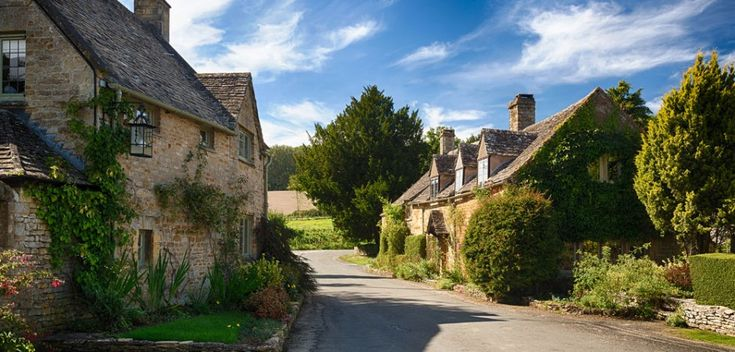 You might be looking forward to enjoying a good travel in Cotsworld.Once you are able to get the right information on Cotswolds map it would never lead to any sort of worry.