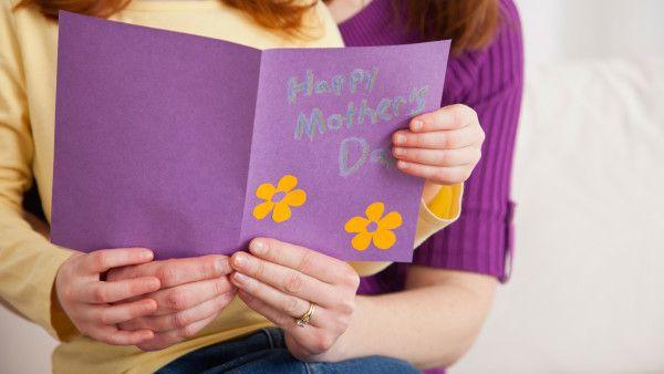 Keepsake gifts for sentimental moms