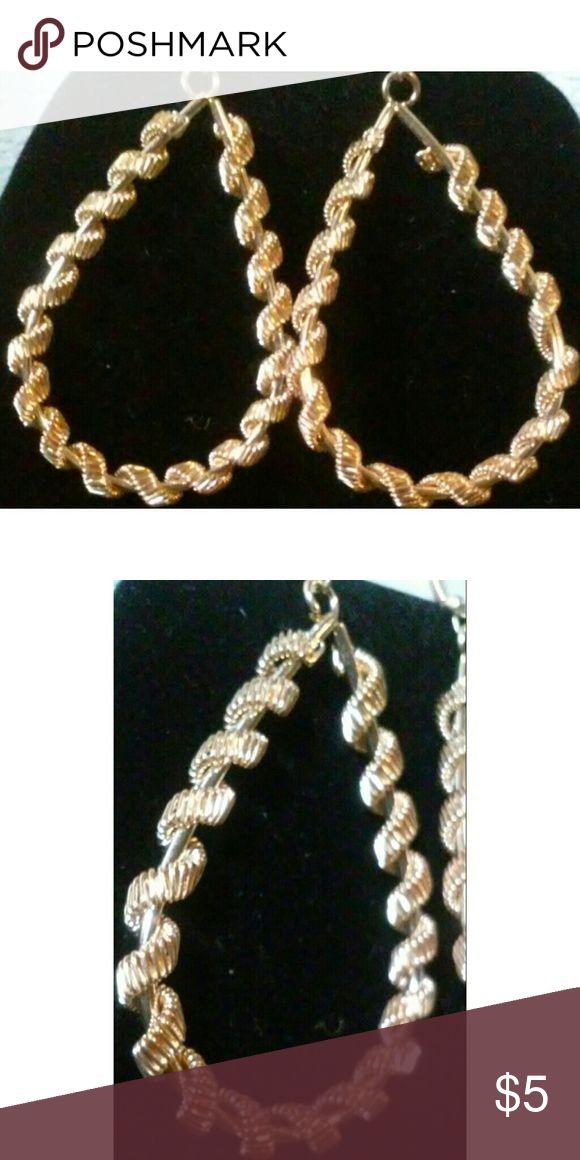 Loose Spiral Gold Fish Hook Earrings Loose Spiral Gold Fish Hook Earrings. Jewelry Earrings
