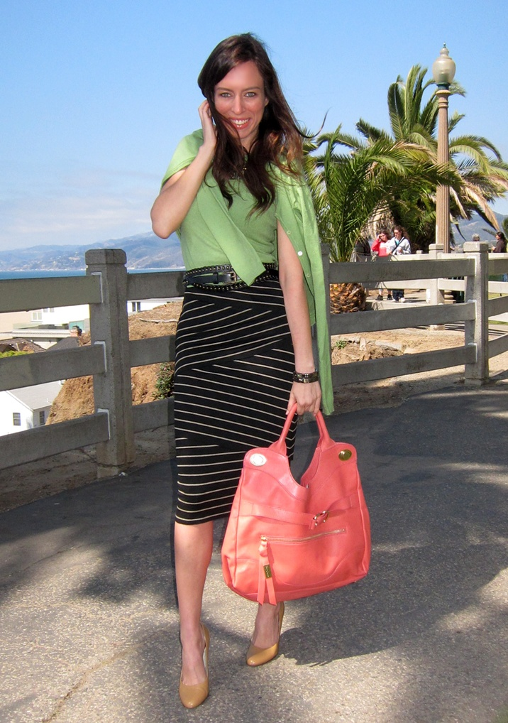 Green + coral+ stripes http://www.sydnestyle.com: Diagon Stripes, Work Fashion, Fashion Street, Fashion Fashion, Fashion Things, Fashion Inspiration, Green Stripes, Work Outfits, Chic Fashion