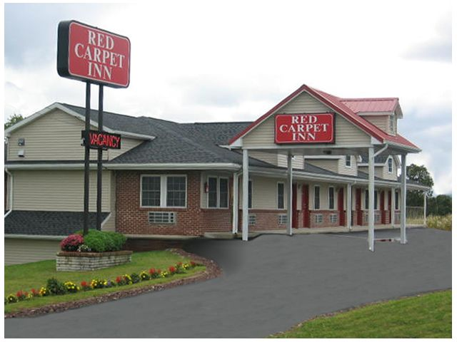 The Pet-friiendly Red Carpet Inn in Wind Gap, Pa is near the Pocono Mountains and other attractions.