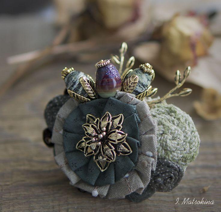 Купить Брошь Лесная колдунья - зеленый, брошь, брошь ручной работы, брошь цветок