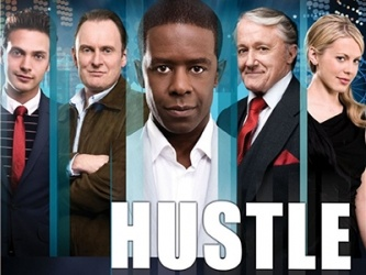 Erst musste ich mich überwinden, die 1. Sendung zuende zu gucken, und nachher konnte ich nicht mehr aufhören.. Naja, ein paar Staffeln jedenfalls Hustle (or HU$TLE) (UK) tv show