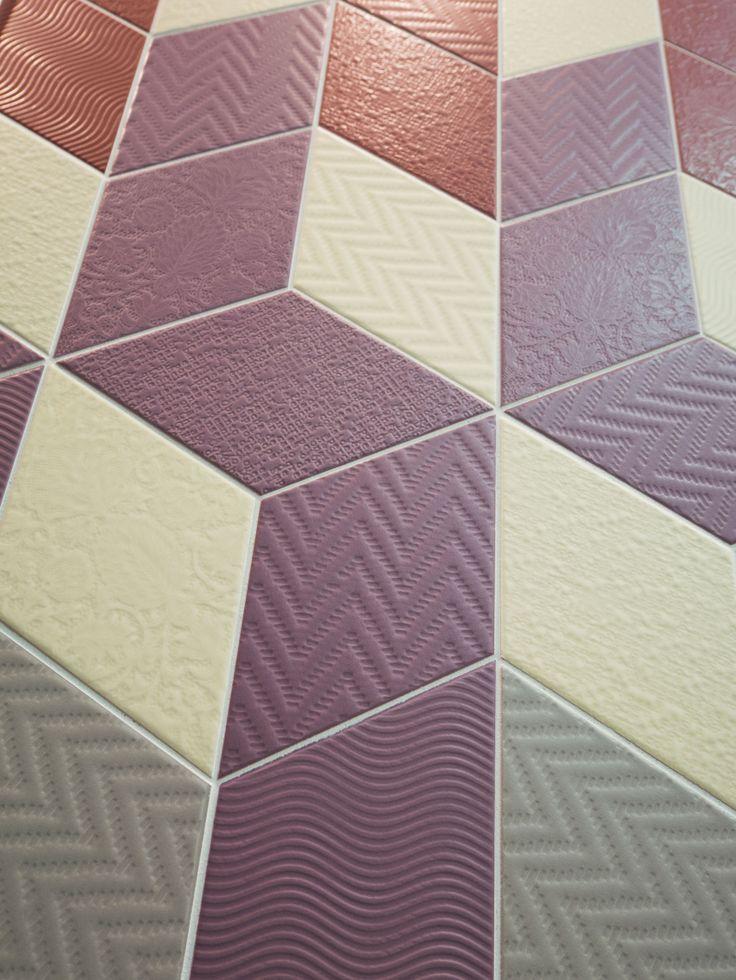 Rhombus Violet, Cream, Green, Red nais.es