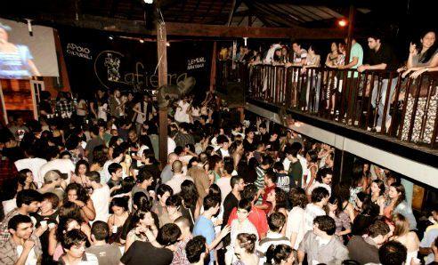 Festa traz músicas que marcaram anos 80 e 90