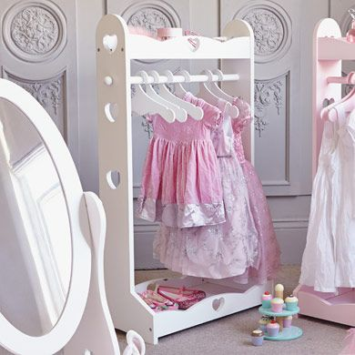 Sweetheart Clothes Rail - Gift Finder -