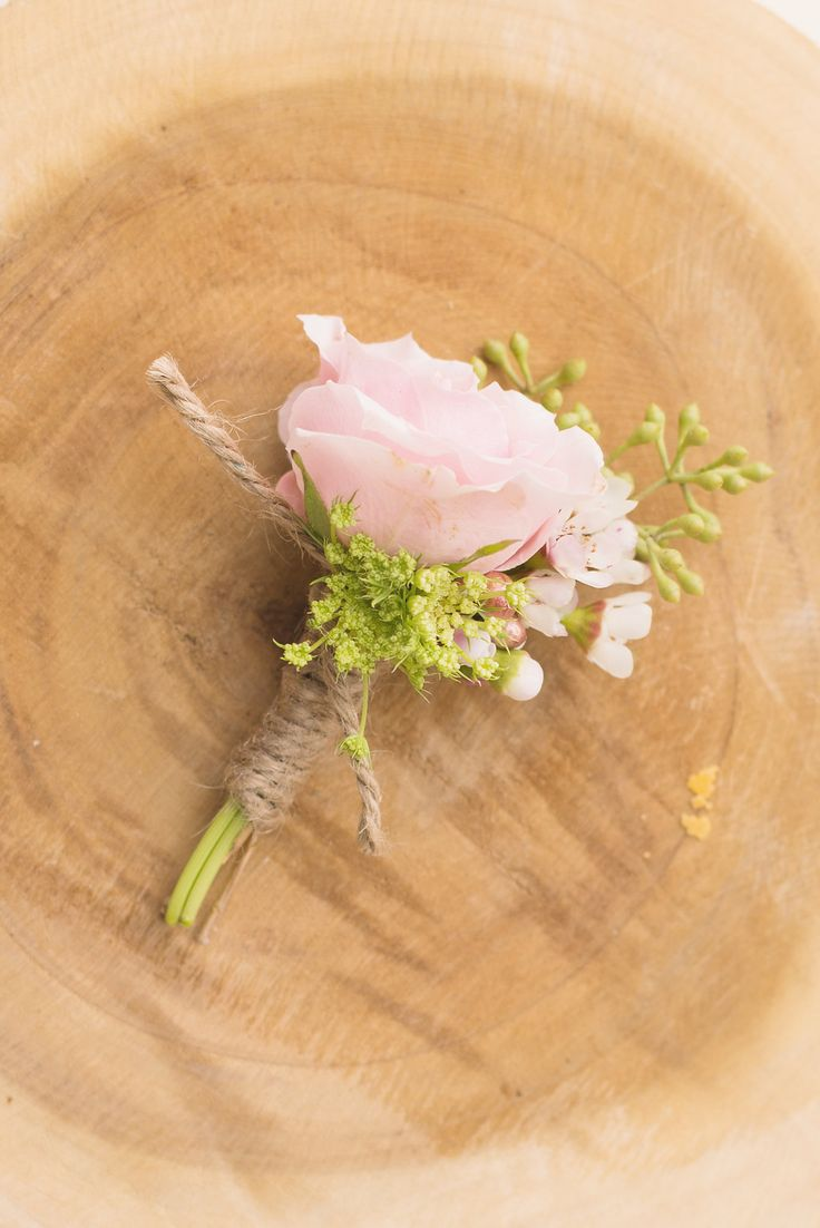 Spray rose blush boutonniere by Flower Shack Blooms/ rustic flowers/ shabby chic wedding #flowershackblooms