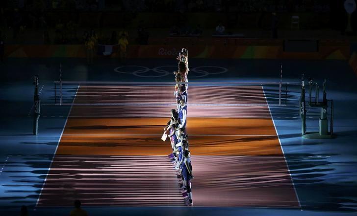 2016 Rio Olympics - Volleyball - Women's Semifinals China v Netherlands - Maracanazinho - Rio de Janeiro, Brazil - 18/08/2016. China's and Netherlands' players line up for presentation. REUTERS/Yves Herman
