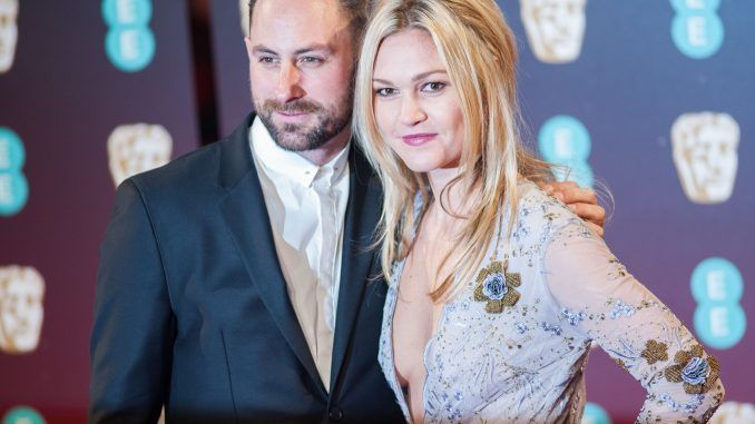 # Julia Stiles Expecting Her First Child With Fiancé Preston Cook# Watch the latest engagement & wedding diamond rings of your top best celebrities. We are providing latest news of celebrity vintage rings and jewelry. For more information; browse our webs