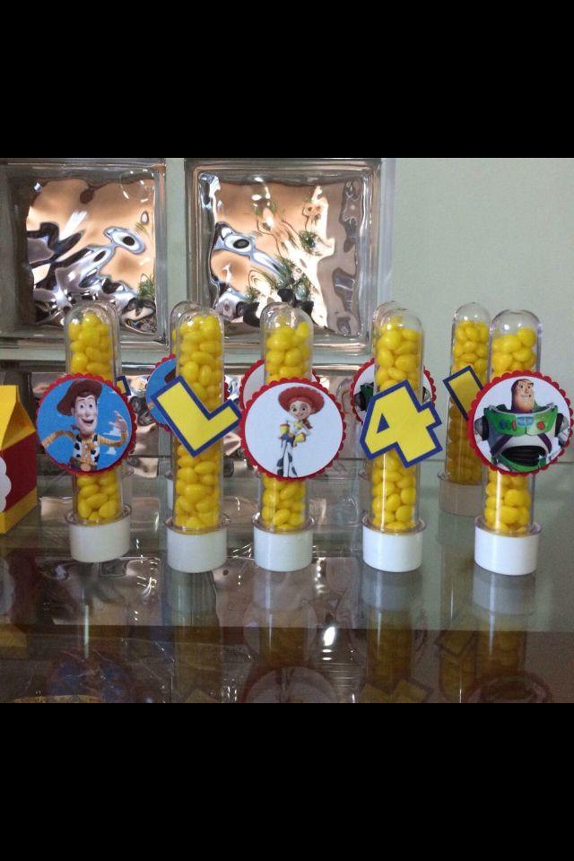 Tubetes personalizados do Toy Story.