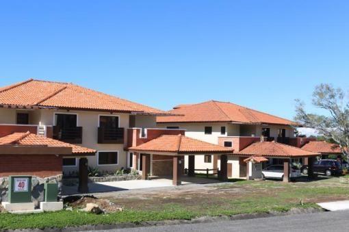ID: 80     Tipo: Condominio  Precio (USD): Desde $205,000  Área Total: Desde 126 m2     Área de la Vivienda: desde 126.47 m2      Dirección: Chiriquí. Boquete, Via Palmira  Cant. de Habitaciones: 2     Cant. de Baños: 2     Descripción: Hermoso condominio con vista al oceano pacífico, y hacia el sur de la ciudad de David, con espaciosa terraza y balcon, este condominio viene con linea blanca (refrigeradora, estufa, lavadora y secadora de ropa, lavaplatos, calentador de agua, lamparas y…