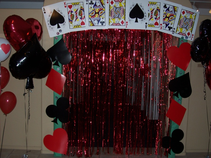 38 best images about casino party on pinterest streamer for Decoration poker