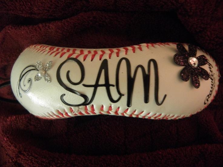 The baseball bracelet for Mom