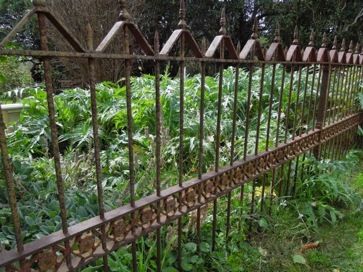 Following tips will help you keep your iron fence looking good and structurally sound in this winter.