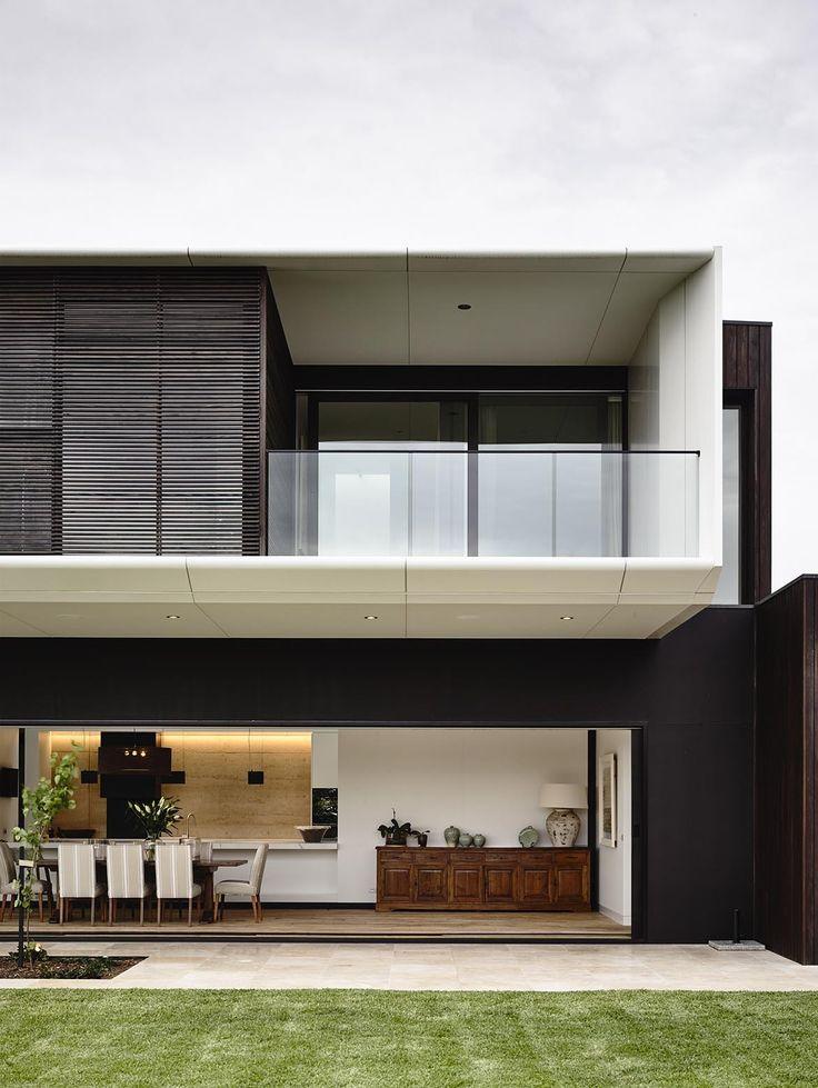 Tranquility Beach House  / Wolveridge Architects.