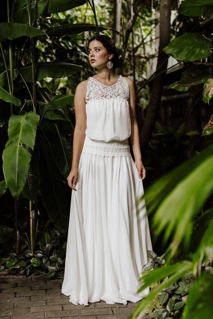 Fließendes Boho Brautkleid par excellence: Zauberhaft und ganz leicht, das ist …