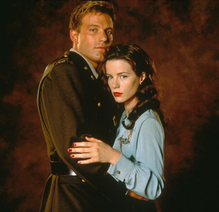 Capt Rafe McCawley & Evelyn Johnson - Ben Affleck & Kate Beckinsale - Pearl Harbor 2001
