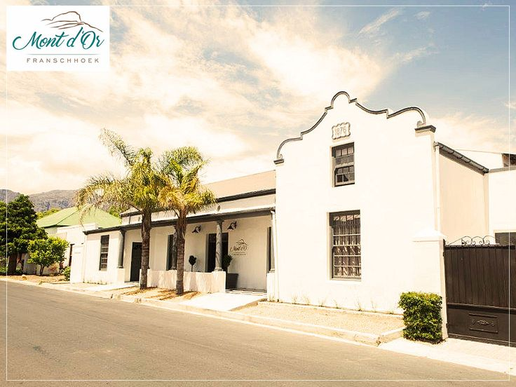 Come and stay in our quiet, luxury guesthouse just 100m from Franschhoek's historic town centre. Link: http://ow.ly/1lcs30enffh