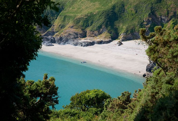 LANTIC BAY, South East Cornwall, [ENGLAND] #wildbeach
