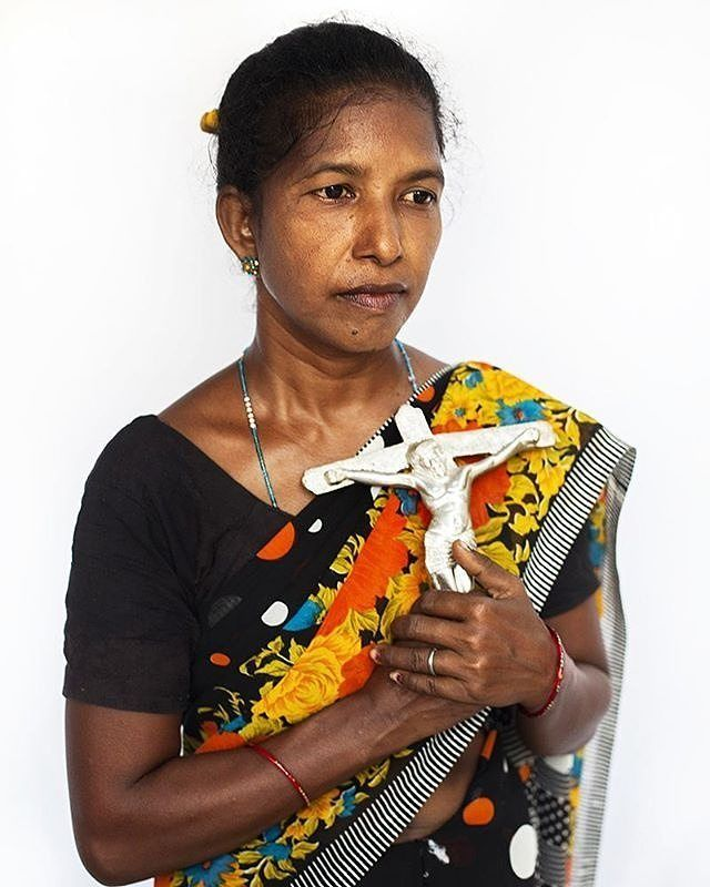 Photo by @serenadesanctis  Jharkhand Sep 2016: Rinku Bhauri has always worked as a maid for a Brahman family and she always faced many discrimination to be Adivasi and get less salary. She converted to Christianity because when she was sick the Hindu Gods never helped her. She said that now she is safe with God and her social status changed. This project is an anthropological journey into the complexity of the Indian caste system and the continuous discrimination against the members…