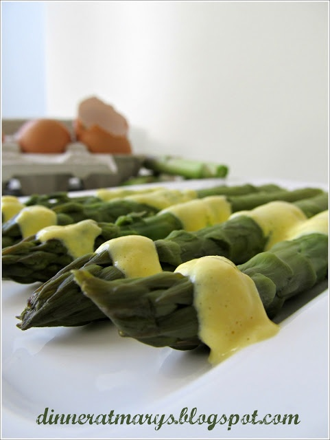 asparagus with white wine sauce