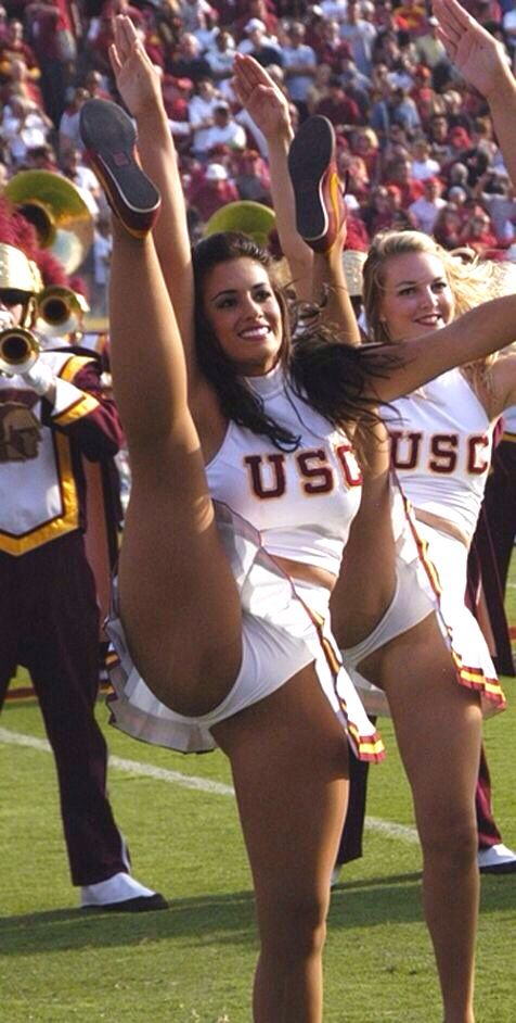cheerleader in college nude girls