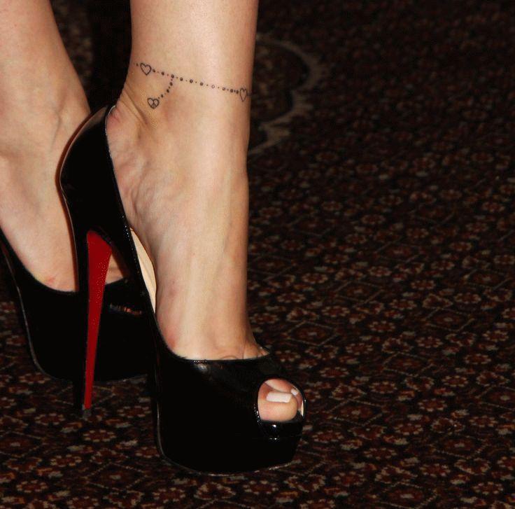 modele tatouage cheville bracelet simple et noeud | Tatuaje tobillo mujer, Tatuaje de pulsera ...